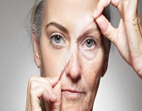 زيت جوز الهند مع فيتامين E للتخلص من تجاعيد البشرة