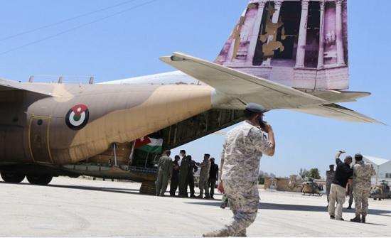 القوات المسلحة تجلي 80 أردنياً من لبنان إلى الأردن