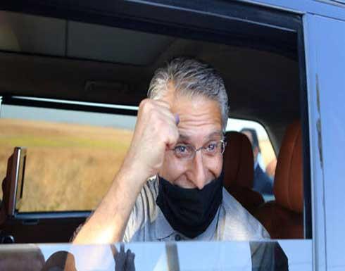 """الجزائر.. اتهام رئيس حزب """"قلب تونس"""" وشقيقه بتهريب المهاجرين ودخول البلاد بصورة غير شرعية"""