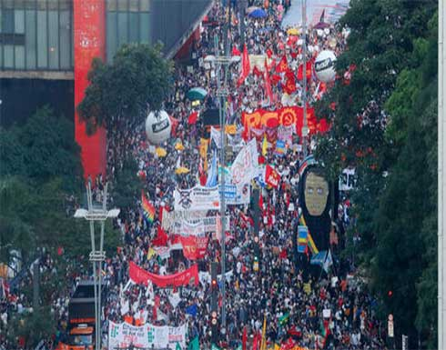 المئات يتظاهرون ضد الرئيس جاير بولسونارو في البرازيل
