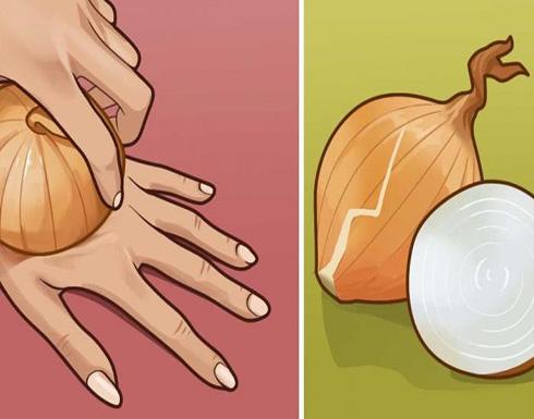 هذا ما يحدث لك عندما تقوم بتدليك يديك بالبصل لمدة أسبوع