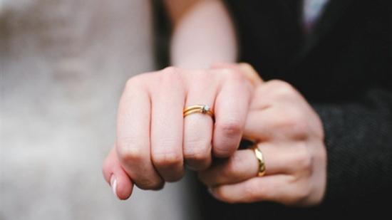 على عكس ما هو شائع...الزواج لا يُسبّب التوتر!