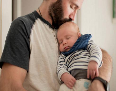 هرمونات ثورية تمنح أثداء الرجال القدرة على إرضاع الأطفال