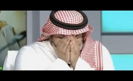 """شاهد.. بكاء مقدم وضيوف """"الحصاد"""" على وفاة زميلهم الاعلامي خالد قاضي"""