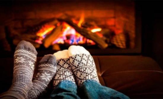 """7 حلول للتغلب على برودة الأطراف خلال الشتاء.. الثالث """"جنون"""""""
