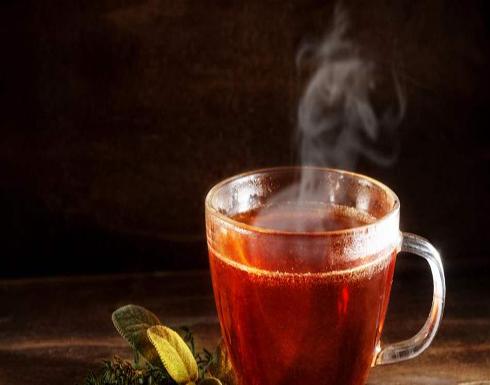 هذا ما يفعله الشاي الساخن بجسمك في الصيف!