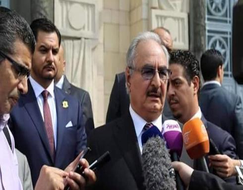 """اتهامات لنجل حفتر بسرقة مصرف بنغازي.. وفيديو """"يبرئ"""""""