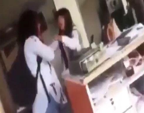 بالفيديو : مقتل سيدة على يد طليقها في اسطنبول يسبّب صدمة على مواقع التواصل!