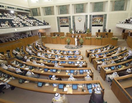 مجلس الأمة الكويتي يقر قانون العمالة المنزلية