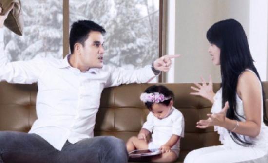 تغيرات سلبية تطرأ على الزوجين بعد الطفل الأول يجب تجنبها