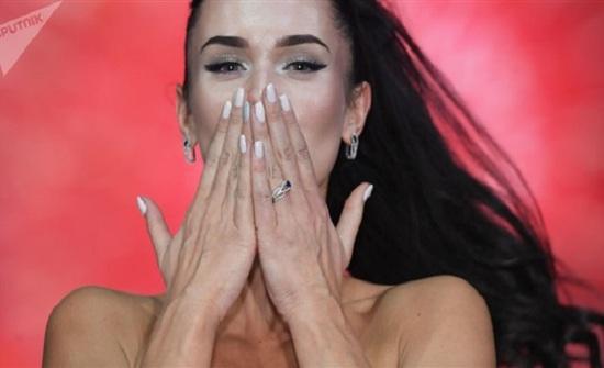 أول متحولة جنسيا تشارك في مسابقة «ملكة جمال الكون» (صور)