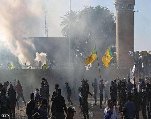 إصابات بالاختناق بصفوف الحشد الشعبي بمحيط السفارة الأميركية