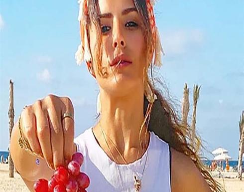 صور : ريهام أيمن تبهر جمهورها بظهورها على البحر