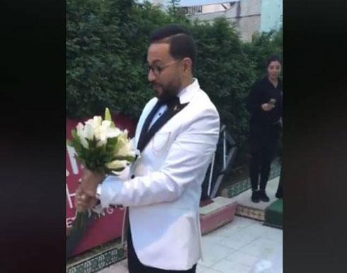 رد فعل غير متوقع لشاب مصري لحظة خروج عروسه من «الكوافير» (فيديو)
