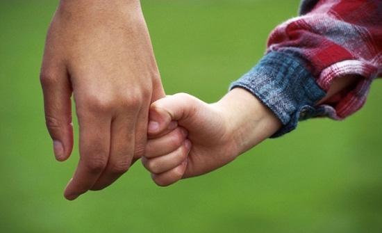 الوراثة من الأب: 7 أشياء ينقلها الأب حتماً بالوراثة لأولاده