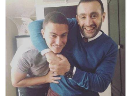 نجل أحمد السقا يشعل مواقع التواصل بفيديو ويتحدى والده بجنونه(شاهد)