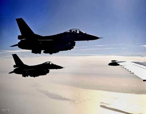 مقاتلتان هولنديتان ترافقان طائرة وقع شجار على متنها