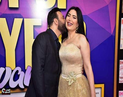 """بالفيديو : عبير صبري تتبادل """"القبلات الحارة"""" مع زوجها"""