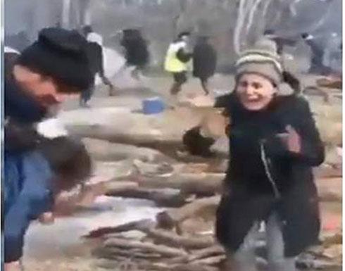 شاهد : اليونان تقتل الأطفال اللاجئين على الحدود