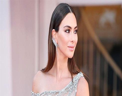 فستان ستيفاني صليبا بمهرجان الجونة يزن 14 كيلو.. ويثير الجدل (صور)