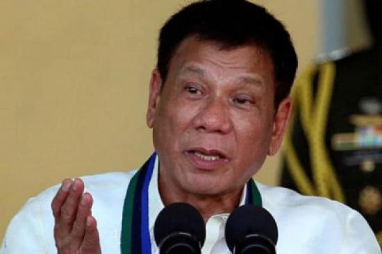 الرئيس الفلبيني يتعهد بمنح جزيرة المسلمين حكمًا ذاتيًا