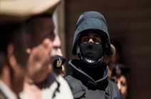 """توقيف 15 شرطيًا في مدينة سياحية مصرية بتهمة """"التجمهر"""""""