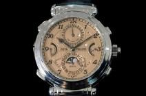 """""""مجهول"""" يشتري أغلى ساعة يد في التاريخ بسعر فلكي"""