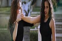 """شاهد: رقصة ابنتا عمرو دياب بالهوت شورت على """"تيك توك"""""""
