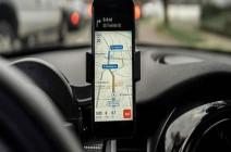 """ميزة جديدة من غوغل تحذرك من """"سائق التاكسي الجشع"""""""