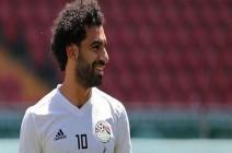 """""""مو صلاح"""" وحيدا بغرفة في معسكر المنتخب المصري.. لماذا؟"""