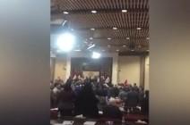 شاهد: مواجهة داخل البرلمان.. نواب عراقيون ينتفضون ضد مرشحي إيران