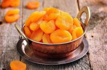 هل تأكلون المشمش المجفف برتقالي اللون؟ هذا خطأ كبير والحقيقة مفاجئة جداً