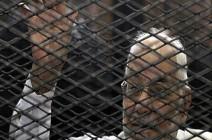 """نجلة المرشد السابق لإخوان مصر: والدي يواجه """"أمراض موت"""""""