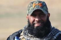 """""""أبو عزرائيل"""" يفاخر بسلاحه الأمريكي ويتحدث عن ثمنه (شاهد)"""