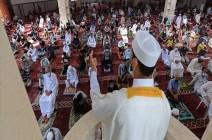 الحكومة الفلسطينية تسمح بصلاة التراويح في المساجد