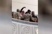 شاهد : عراك بالأيدي في مجلس الأمة الكويتي