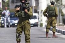 جيش الاحتلال يفقد وثائق سرية بالخليل والسلطة تعيدها إليه
