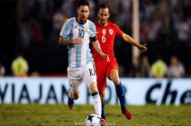 ميسي يثأر من تشيلي ويقود الأرجنتين للمنطقة الأمنة