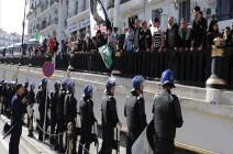 شاهد : جزائريون يصرون على مطلب التغيير في الذكرى الأولى لحراكهم