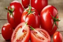 ماسكات من الطماطم لحماية البشرة.. جربيها