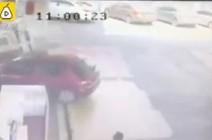 سائق متهور يتسبب في انفجار داخل محطة وقود (فيديو)
