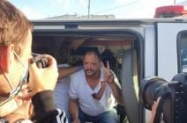 """بالفيديو.. الشرطة الإسرائيلية """"تضرب"""" نائبا في الكنيست"""