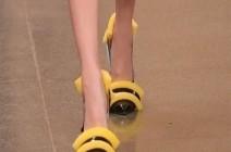 بالصور : موضة غريبة لأحذية نسائية مصنوعة من الإسفنج