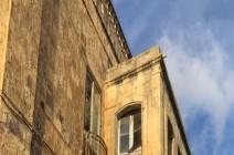 أول منزل لملكة بريطانيا للبيع.. سعره خيالي (صور)
