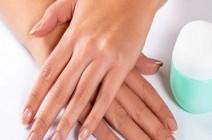 تخلصى من اصفرار الأظافر في 3 خطوات دون مركز تجميل