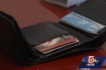 أمريكية تستعيد محفظتها بعد ثمان سنوات من سرقتها