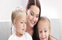 المسألة ليست سهلة.. كيف تختارين مربية طفلك؟