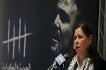 إسرائيل تمنع أي اتصال مع الأسرى الفلسطينيين المضربين عن الطعام