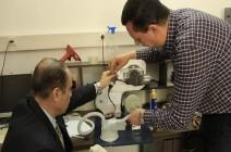 شاهد : مهندسان بغزة يصنعان جهاز تنفس لمساعدة مصابي كورونا