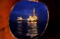 النفط يتراجع بعد موجة صعود وسط حديث عن زيادة إنتاج أوبك
